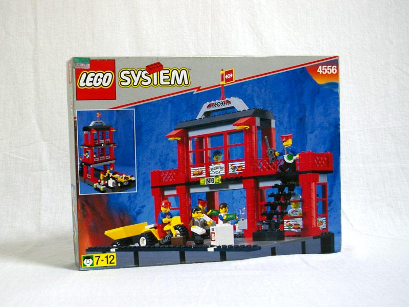 #4556 レゴ 赤い駅舎