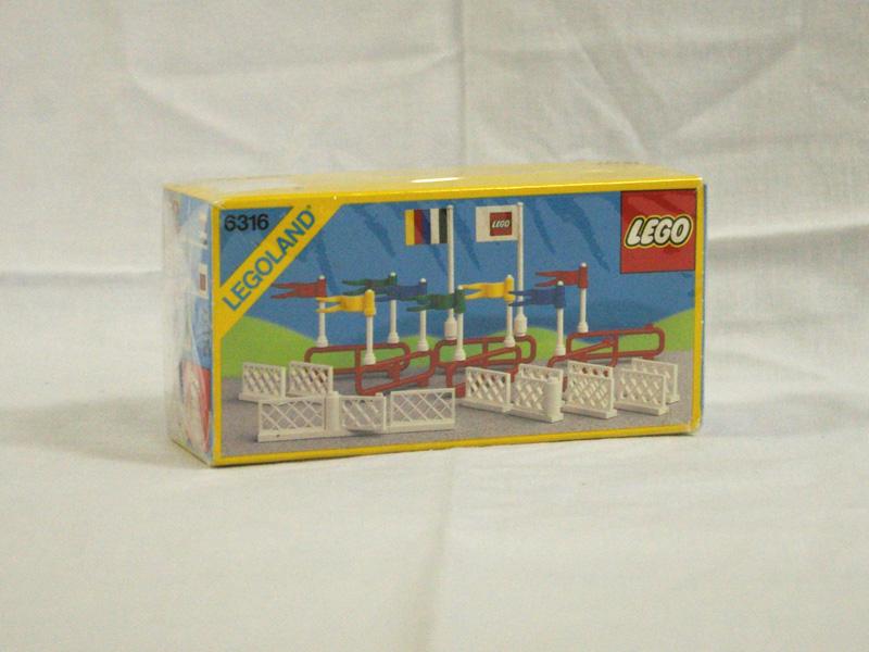#6316 レゴ 旗とフェンス
