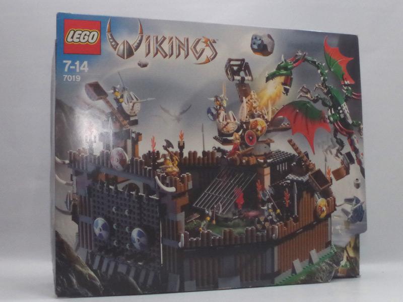 #7019 レゴ バイキングと巨大ドラゴンの激戦