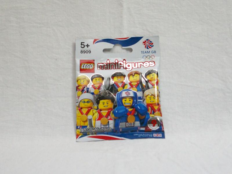 #8909 レゴ ミニフィギュアシリーズ 英国チーム