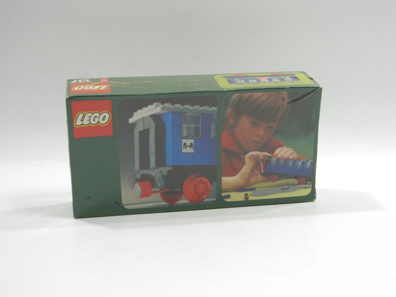 #137 レゴ 客車 背面の写真