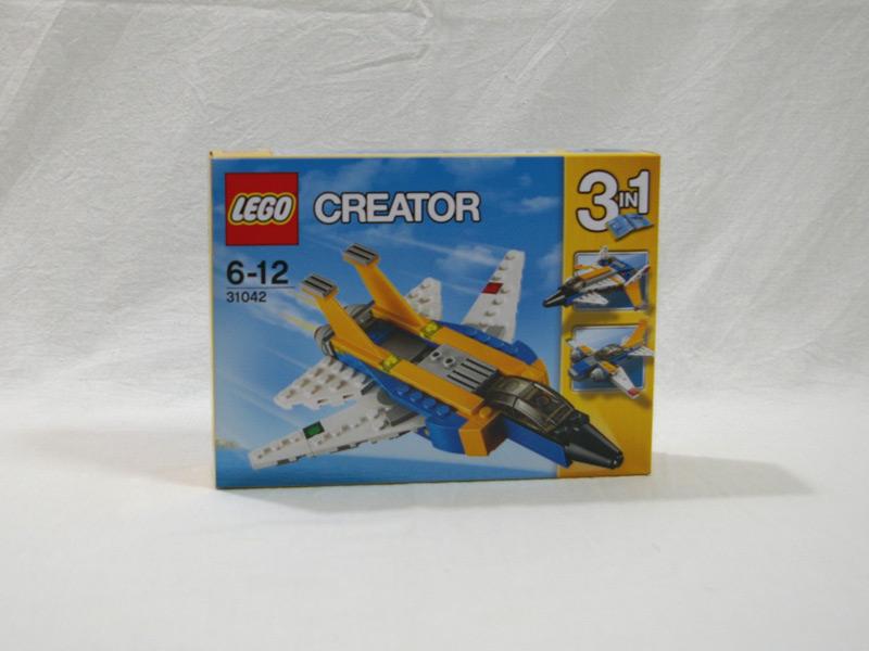 #31042 レゴ スーパーグライダー 正面の画像