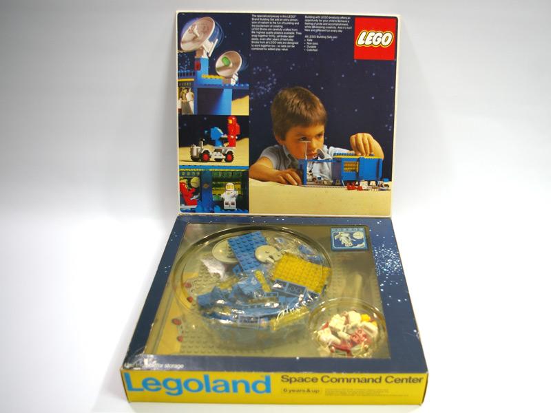 #493 レゴ 宇宙司令室 中面の写真