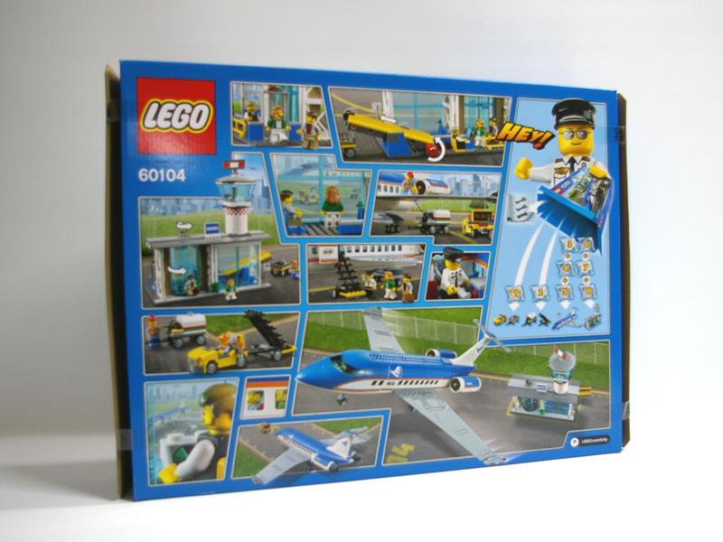 #60104 レゴ 空港ターミナルと旅客機 背面の写真
