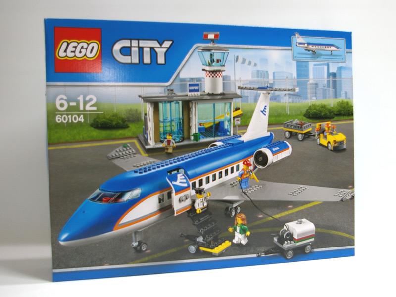 #60104 レゴ 空港ターミナルと旅客機 正面の画像