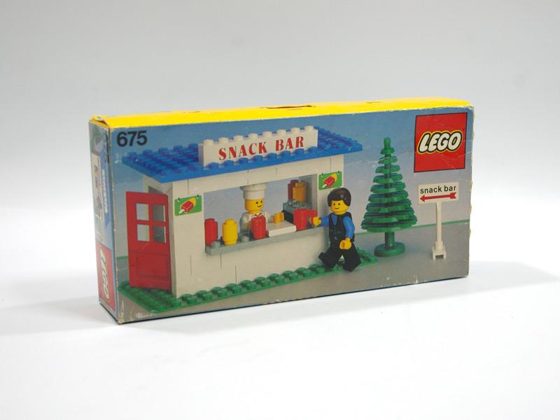 #675 レゴ スナック・バー