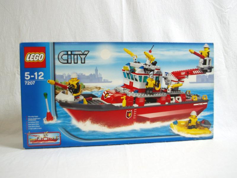#7207 レゴ ファイヤボート 正面の画像