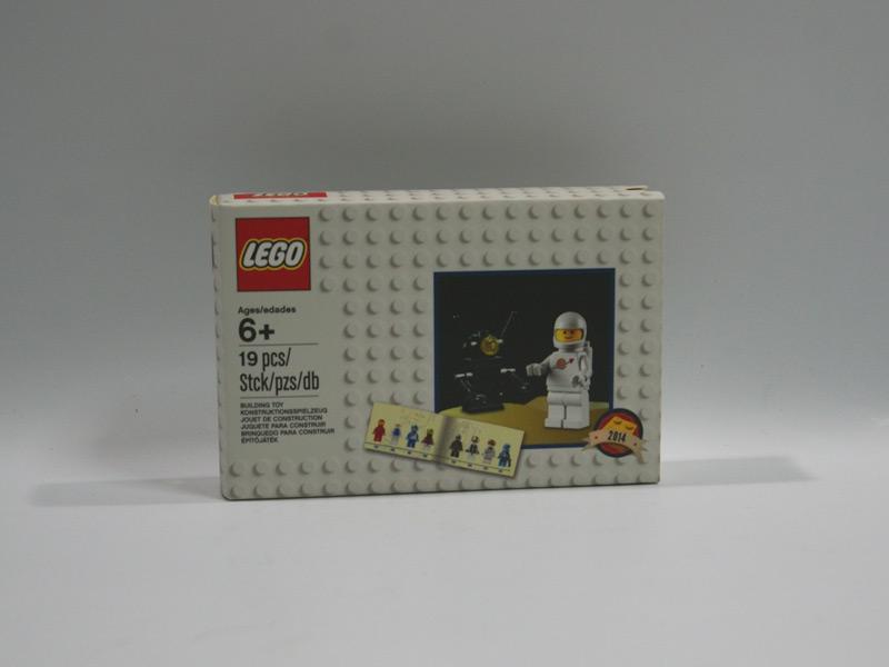 #5002812 レゴ クラシックスペースミニフィギュアとロボット