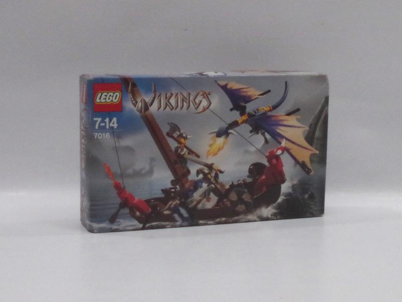 #7016 レゴ バイキングとシーモンスターの戦い